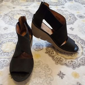 Clarks Artisan Black Suede/ Leather Wedge Sandal